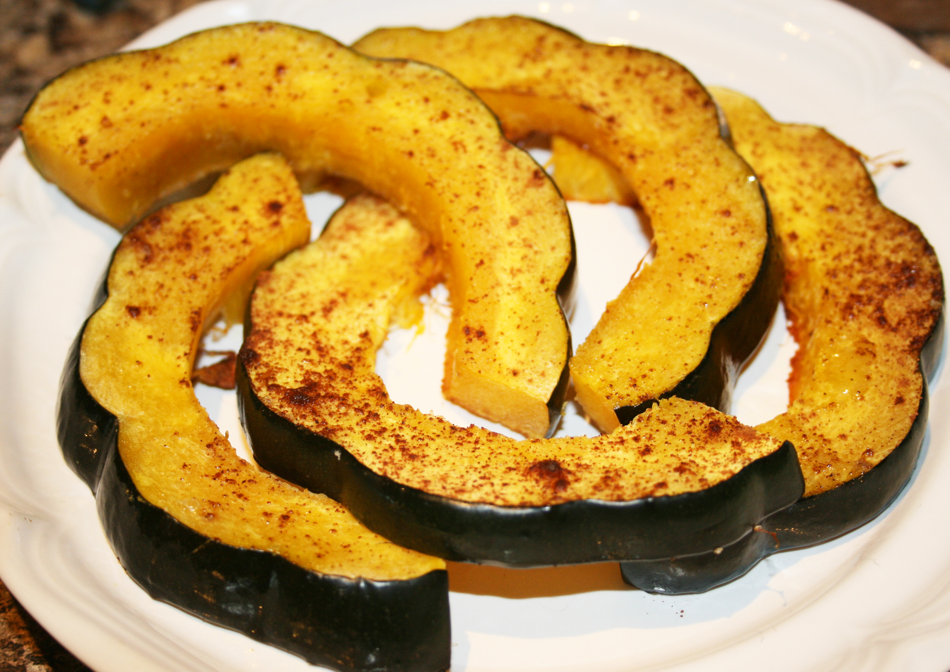for roasted acorn acorn squash i am banking sweet roasted acorn squash ...