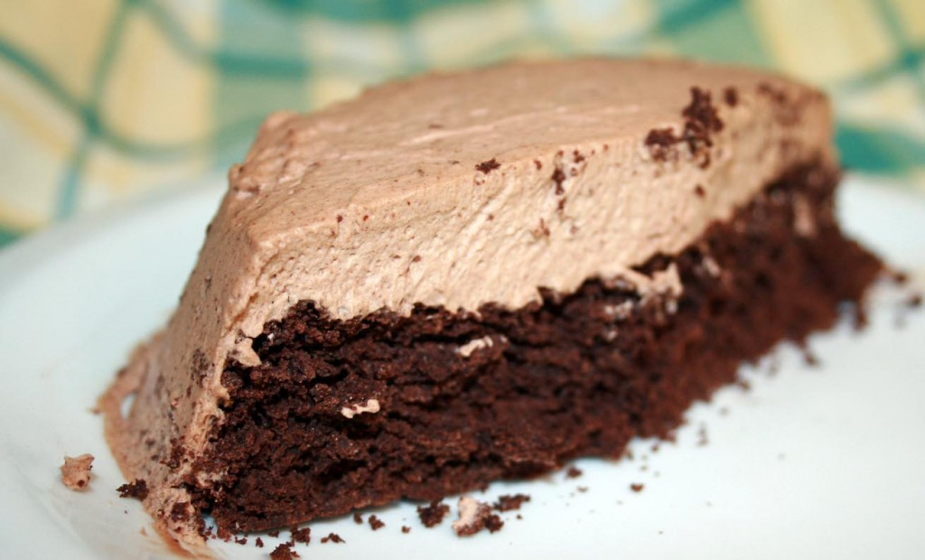 flourless chocolate cake with chocolate cream